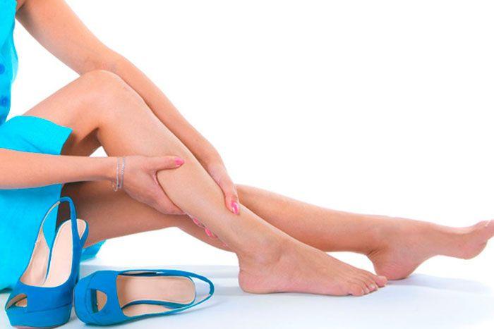Prepare seu corpo para o calor e evite pernas e pés inchados
