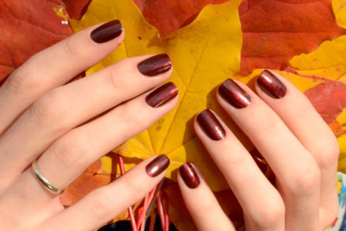 Como cuidar da pele e unhas durante o outono