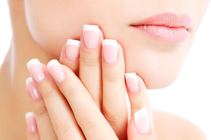 Estimula o crescimento das unhas